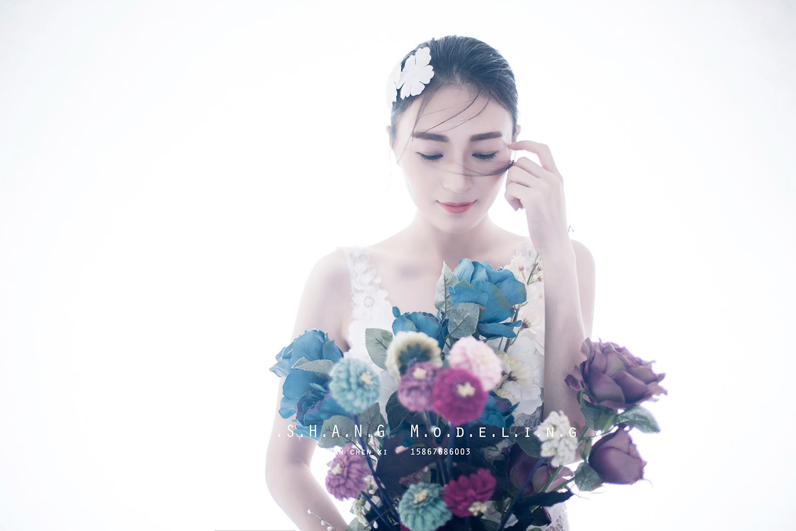 [转载]捧花的少女