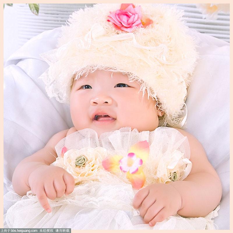 百天宝宝的笑脸
