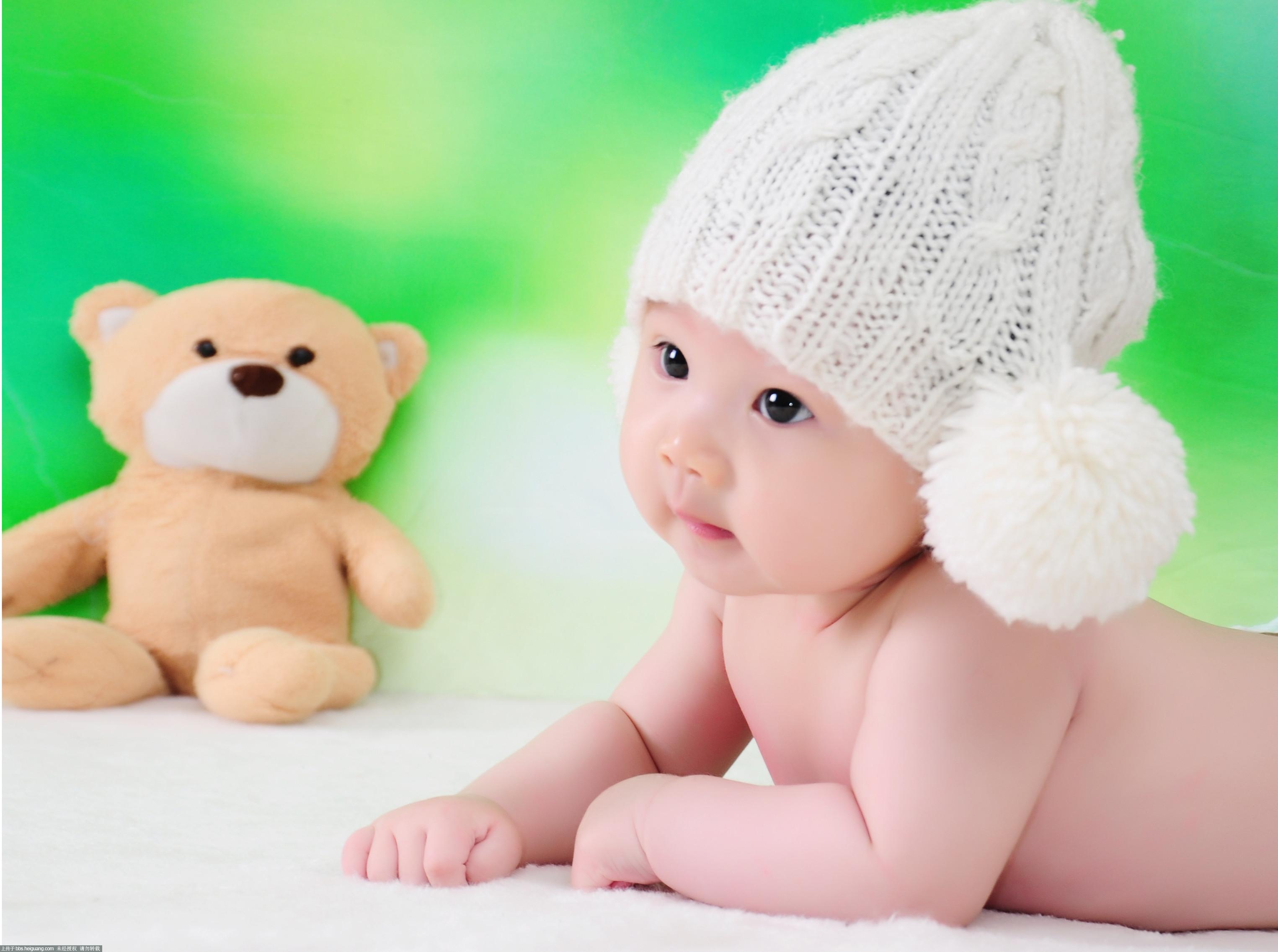吐舌头的宝宝_儿童摄影作品