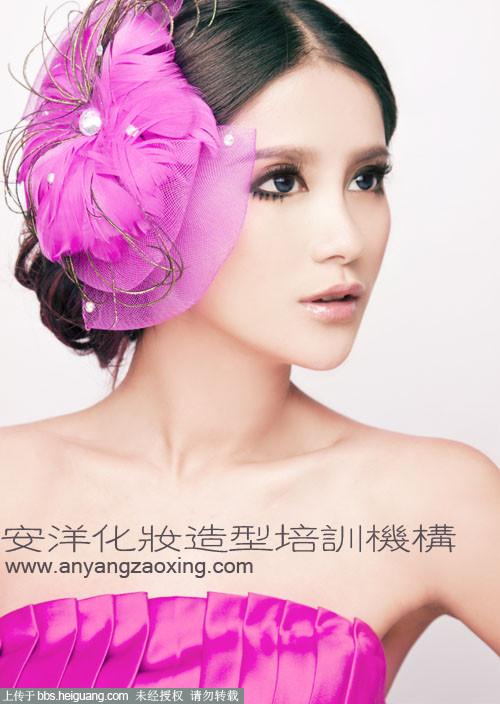 安洋化妆造型培训-可爱无辜眼妆晚礼妆容搭配解析