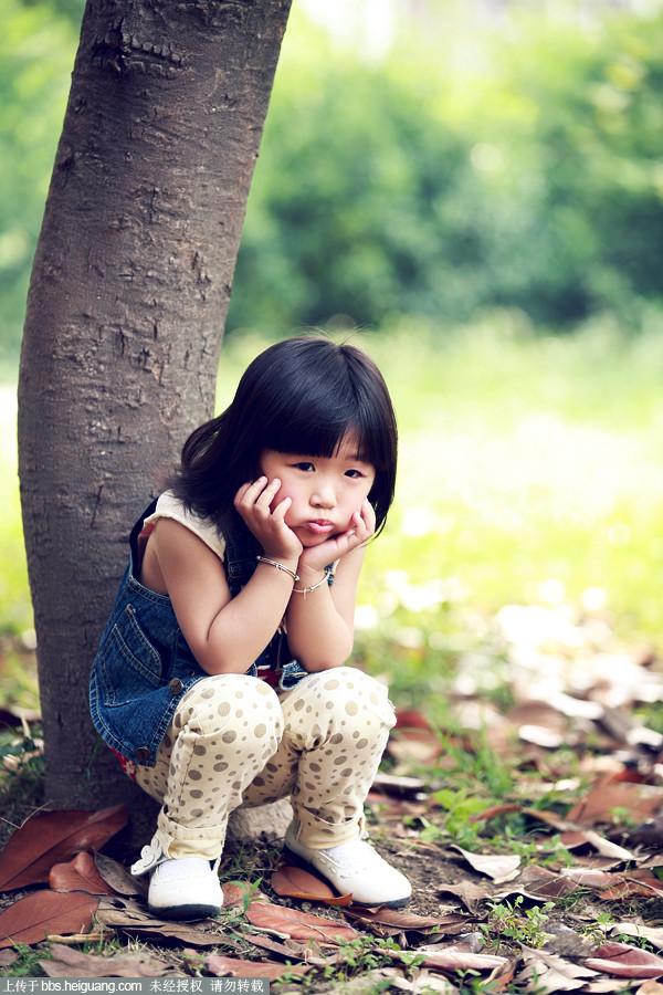 小眼睛美女_儿童摄影作品图片