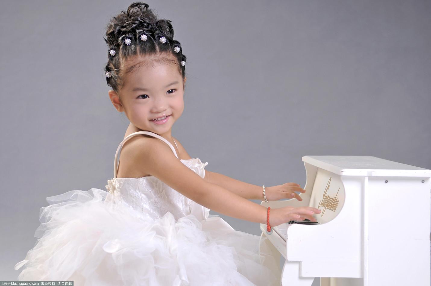 可爱的小女孩 - 儿童摄影作品
