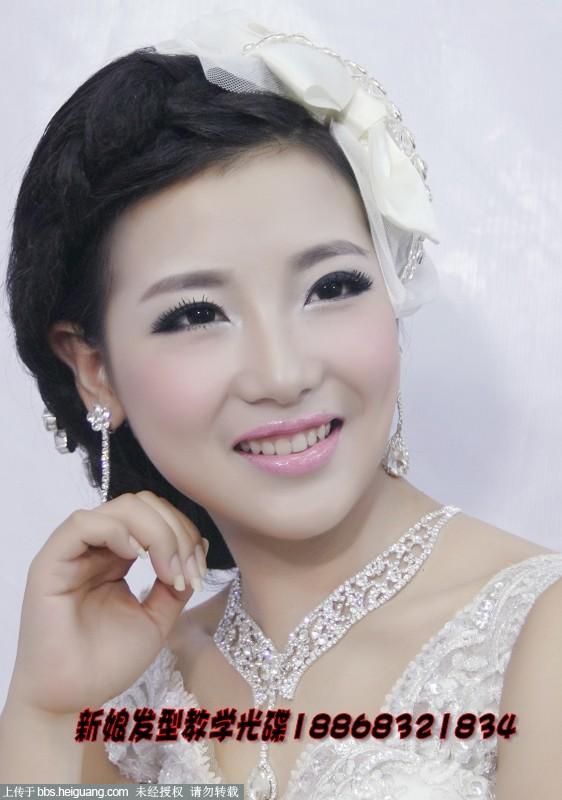 新娘子最喜欢的新娘妆容和发型图片