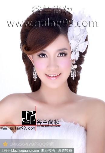 时尚新娘妆的特点及化妆方法
