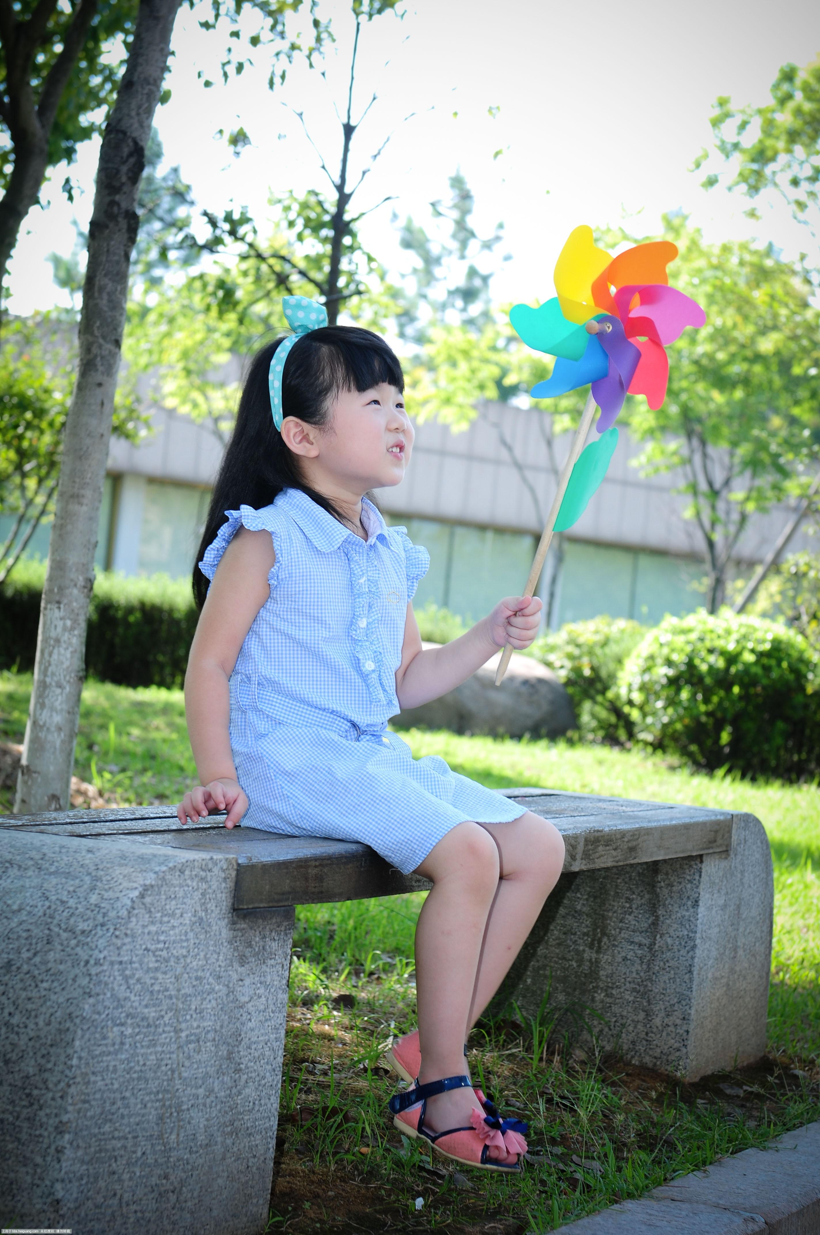 可爱女孩的美丽童年