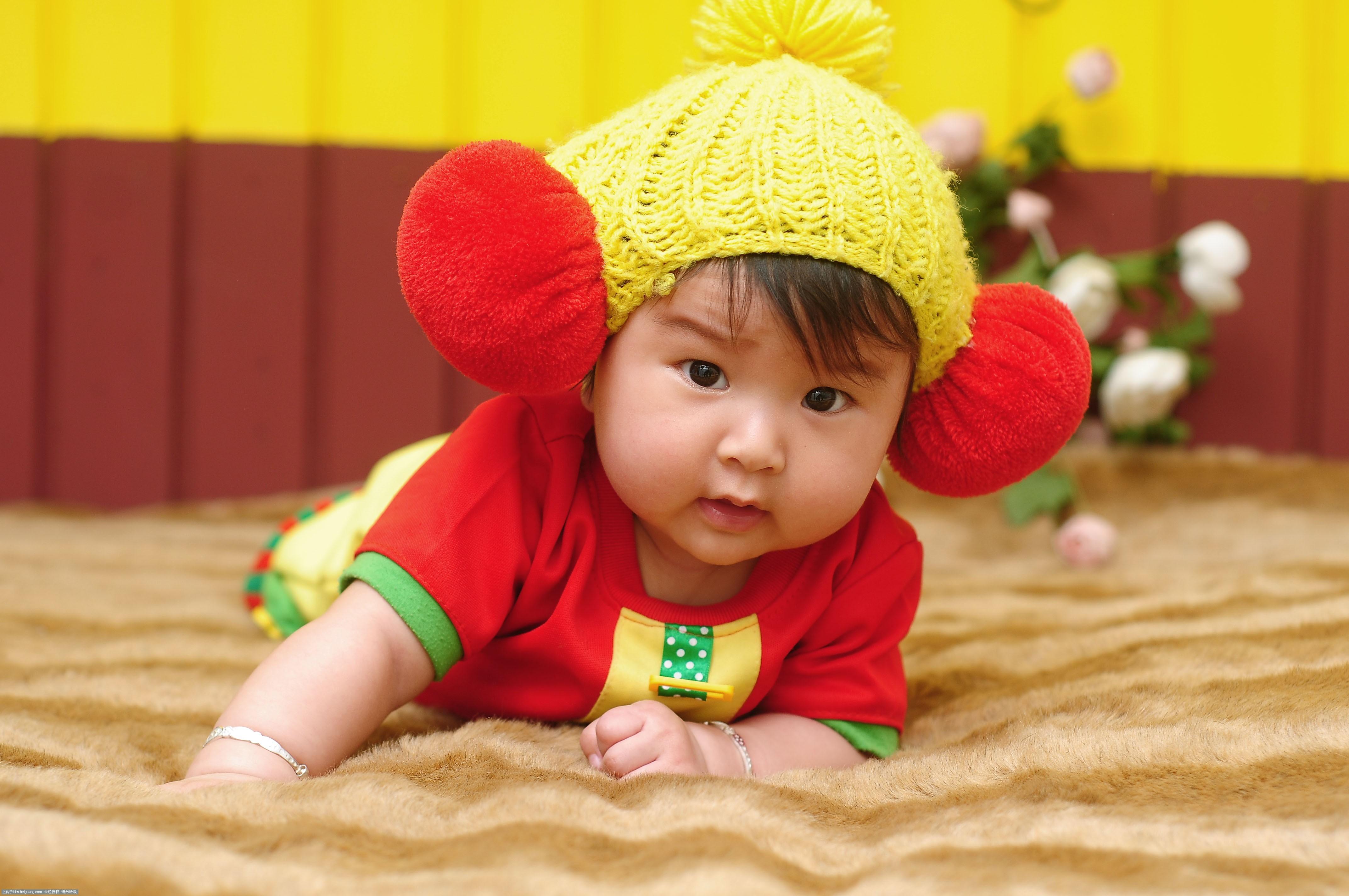 可爱宝宝的成长照