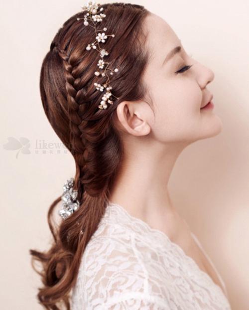 新娘编发发型欣赏 做个法派新娘图片