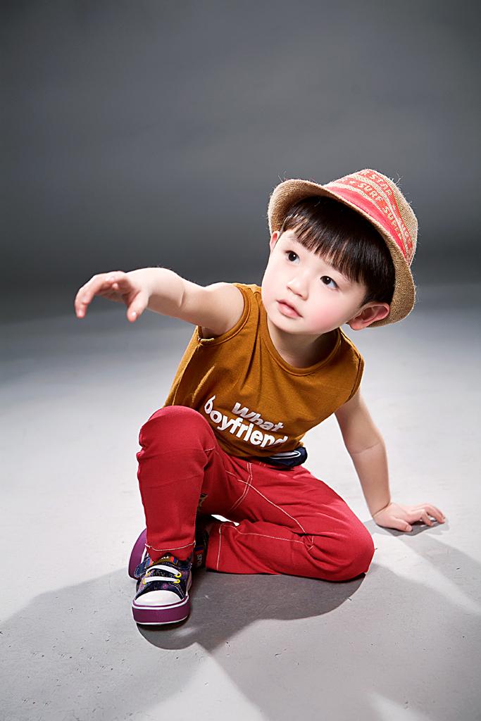 三岁小正太_儿童摄影作品