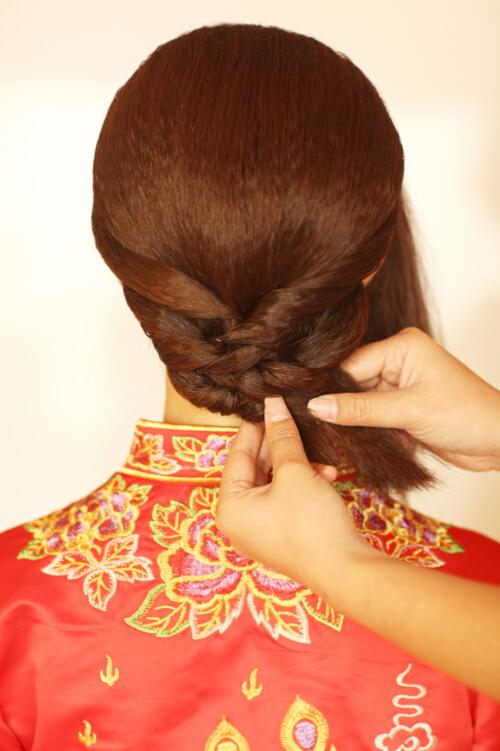 中式新娘发型步骤教程