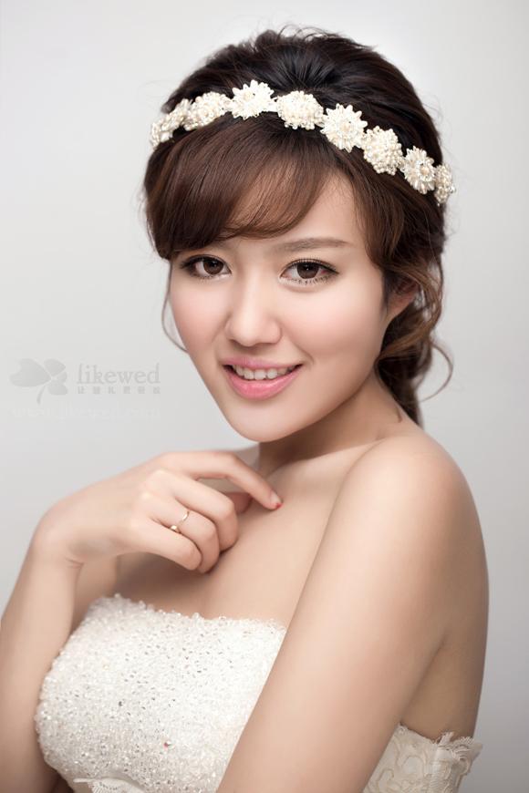微信号:huazhuangshishalong(←长按复制) 以上新娘造型作品多数均为