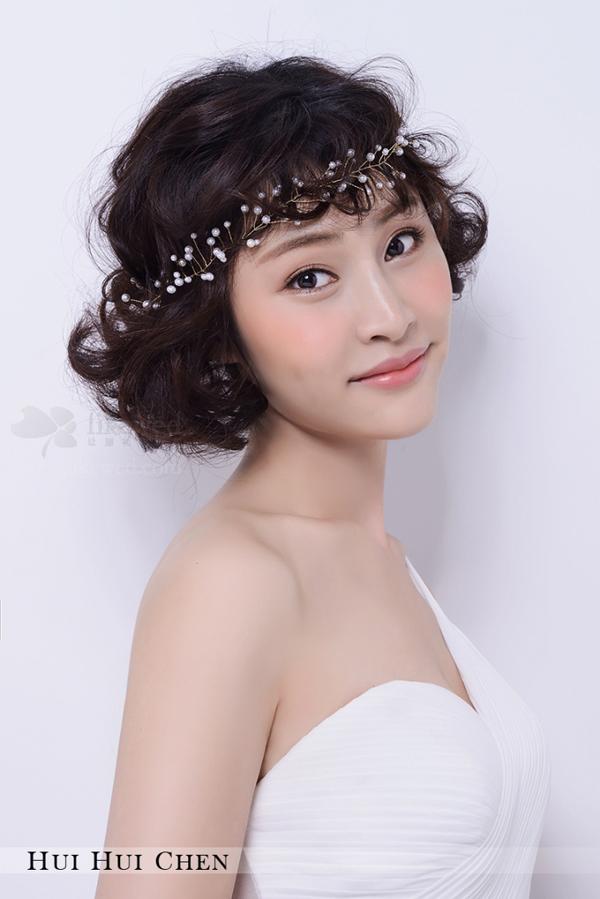 甜美短发新娘造型组图欣赏图片