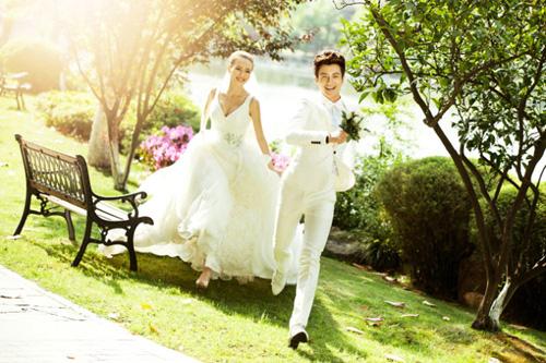 蓝海岸婚纱分享外景拍照姿势法则大全