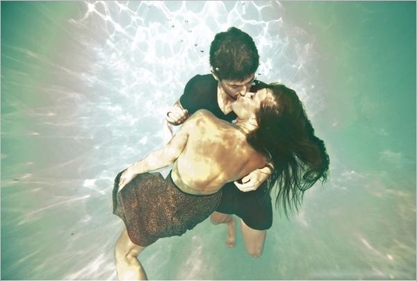 创意唯美水中婚纱照欣赏图片