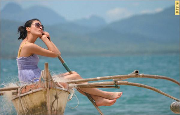 摄影重点:海边为背景,以可协调人物和背景的构图作为了摄影重点.