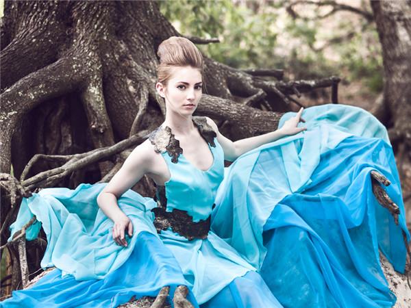 欧美美女艺术人像摄影:女神梦游仙境