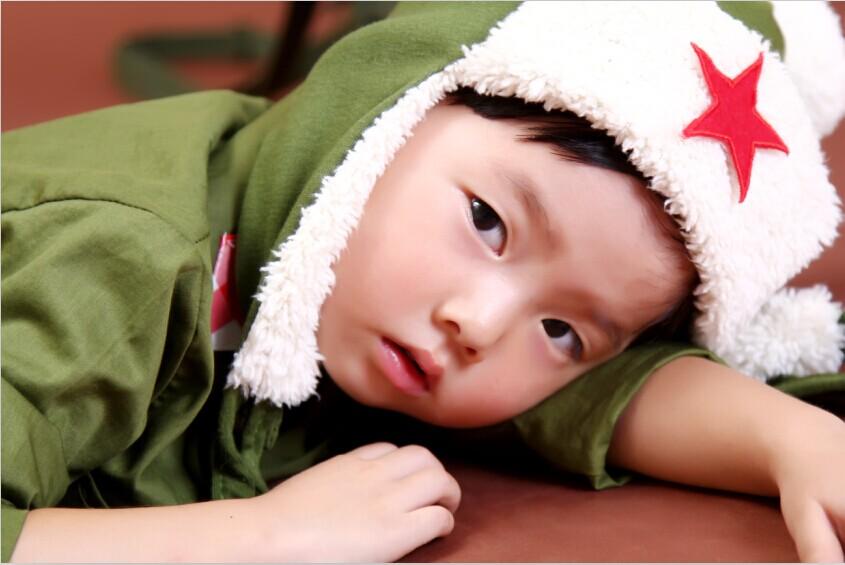 儿童写真样片:闪闪的红星_黑光网摄影_新浪博客