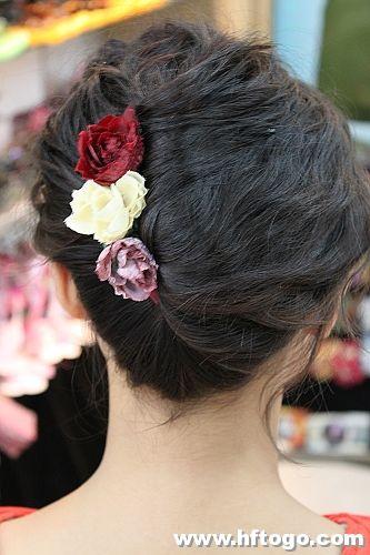 有没有新娘鲜花盘发的步骤