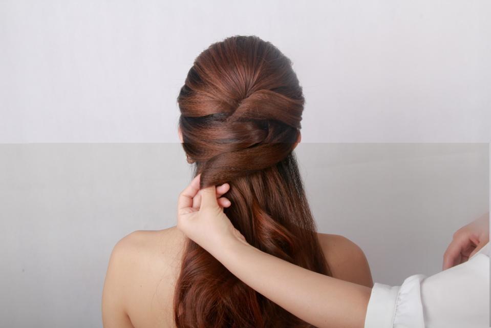 新娘发型教程_化妆造型教程
