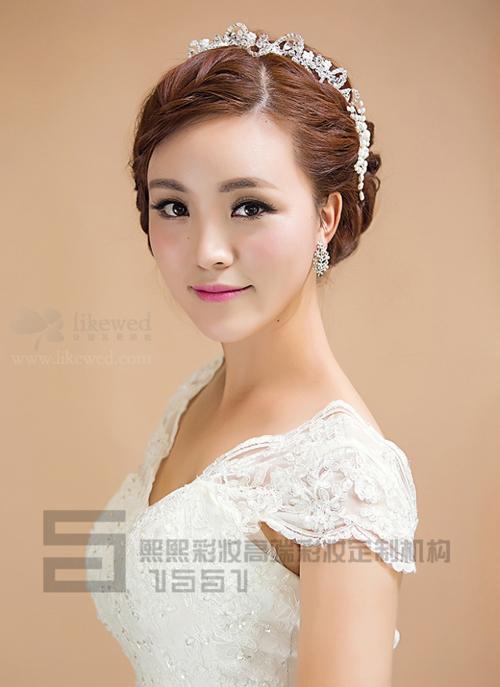 柔美新娘盘发发型 打造温柔公主气质