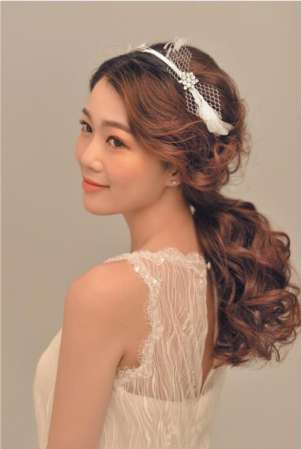 成熟婉约风格新娘发型造型