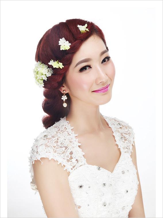 优雅的韩式新娘发型打造技巧(一)