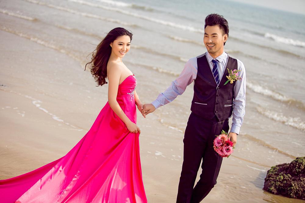 烟台的婚纱摄影_...选择最适合自己的婚纱,烟台红馆视觉婚纱摄影为您解析