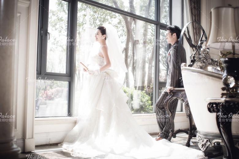 武汉皇宫婚纱摄影样片欣赏-【欧式阳房】