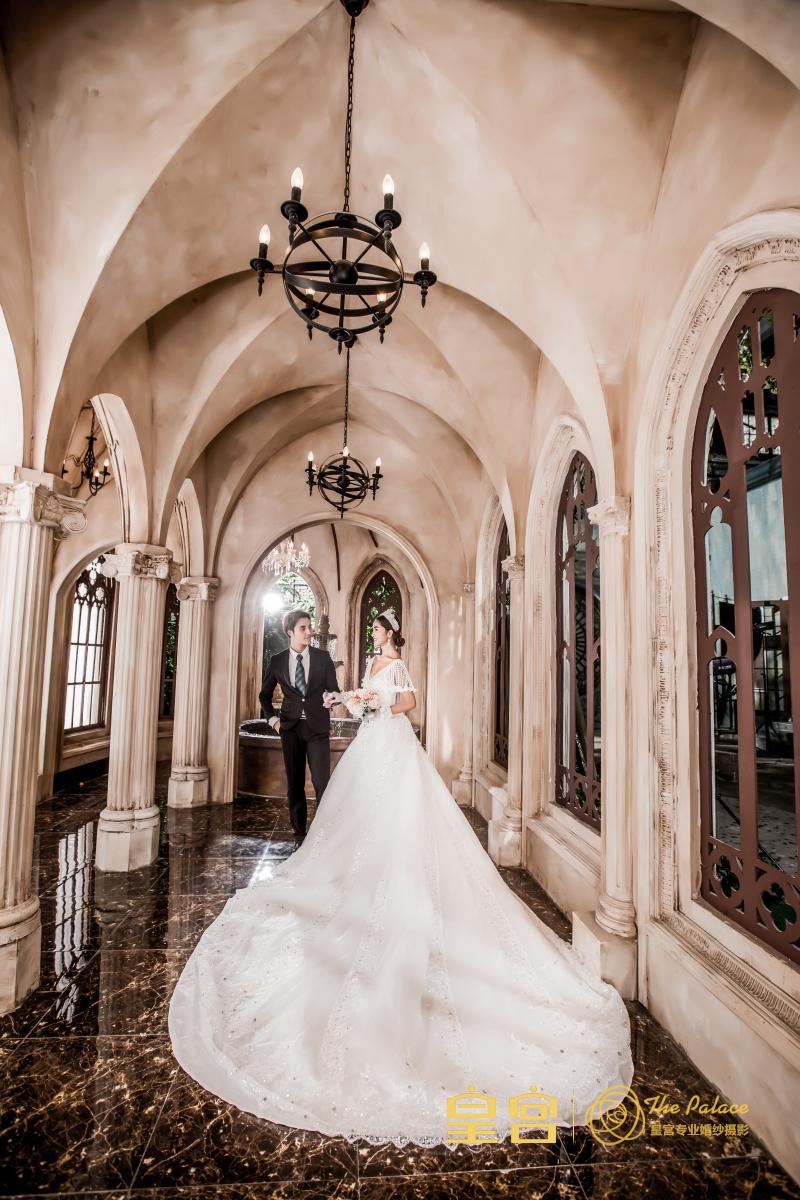 武汉皇宫婚纱摄影样片欣赏-水晶长廊