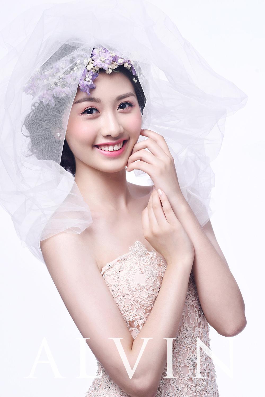白纱环绕,风情万种的新娘造型