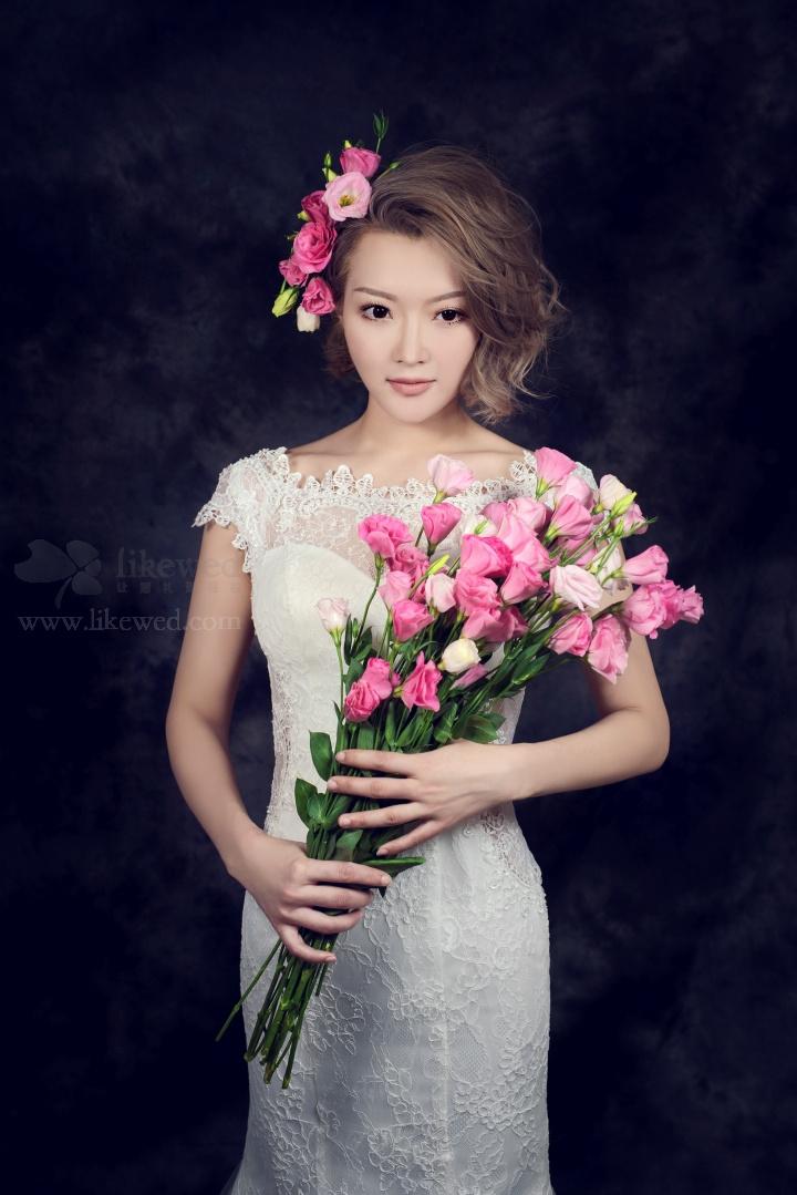新娘短发造型_黑光网摄影