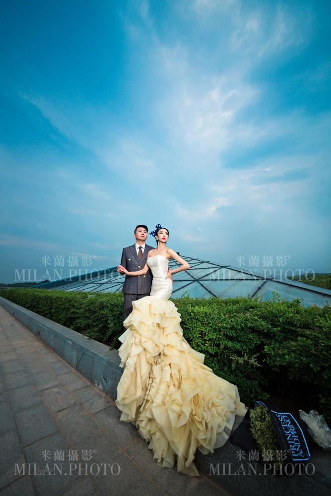欧式风格婚纱照与韩式婚纱照的对比   、背景和道具.拍摄所