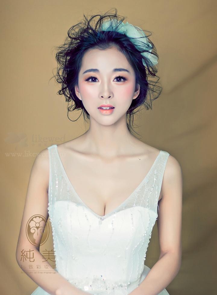 精致新娘妆容造型