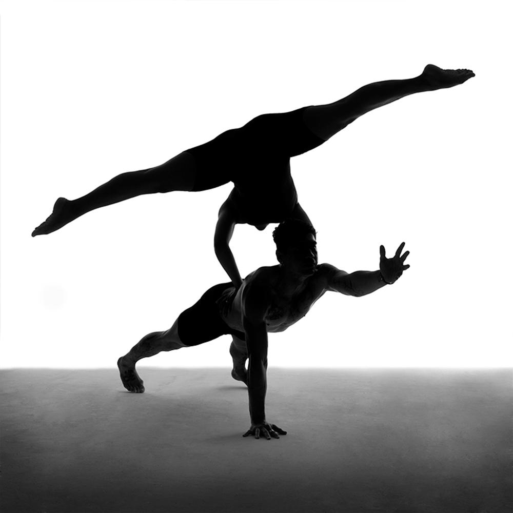黑白人像摄影:暗夜舞者