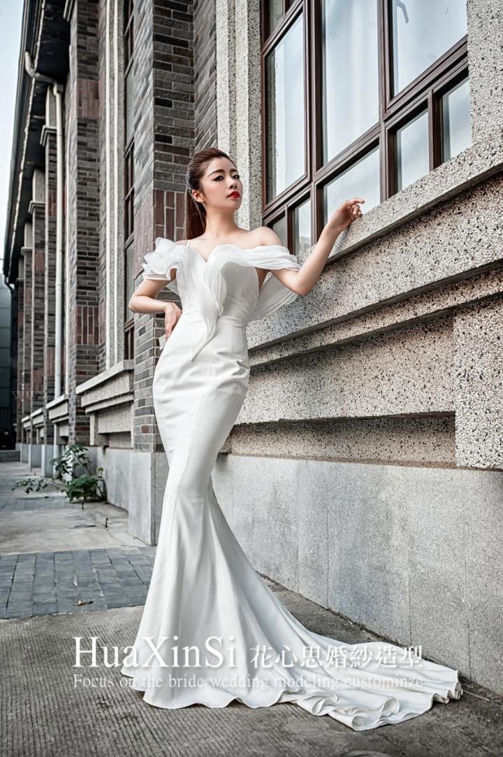 婚纱低马尾步骤图