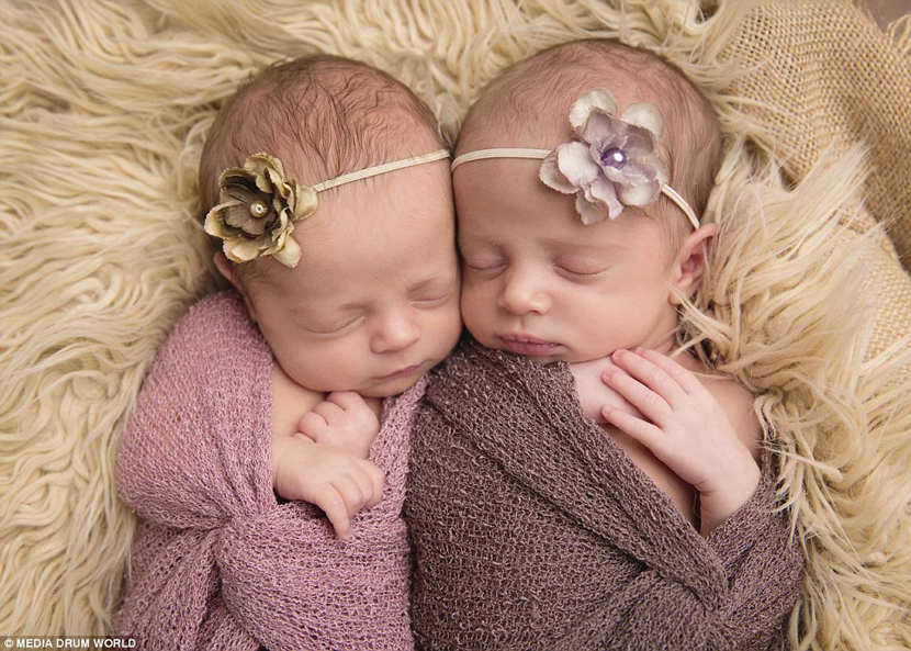 新生儿摄影:可爱双胞胎