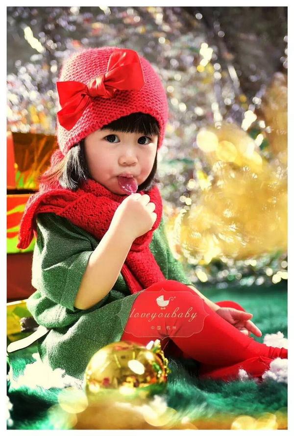 【杭州爱你宝贝儿童摄影】赶着驯鹿的小女孩摄