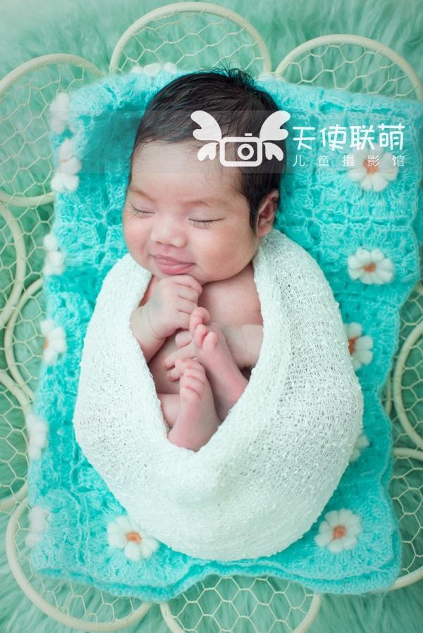 不管宝宝拍什么照片,都要注意表情的真实性和自然