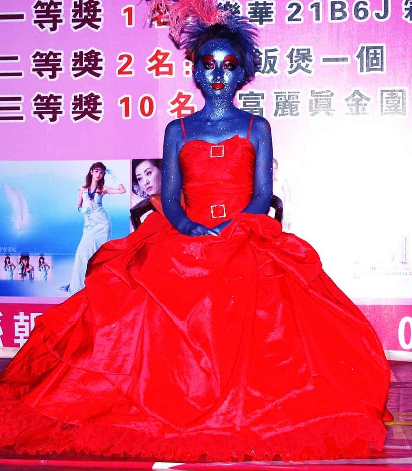 垃圾袋设计的衣服_垃圾袋设计的衣服分享展示