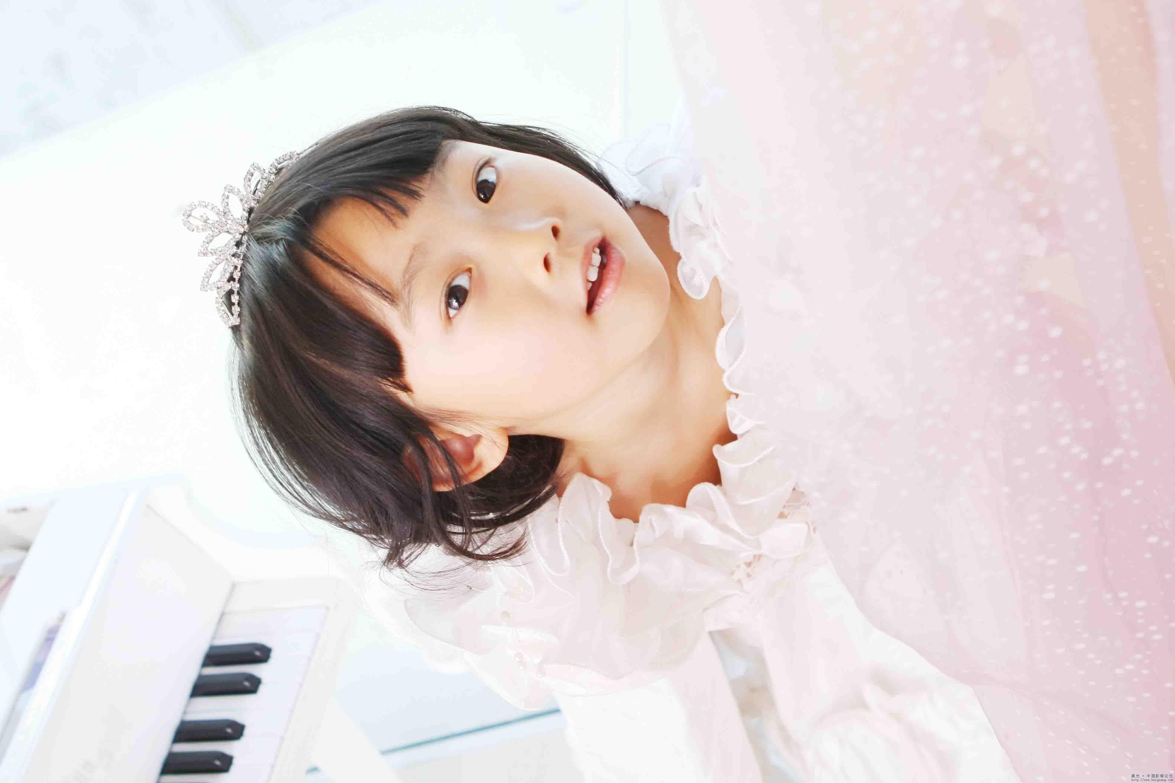 可爱的小女孩_儿童摄影作品