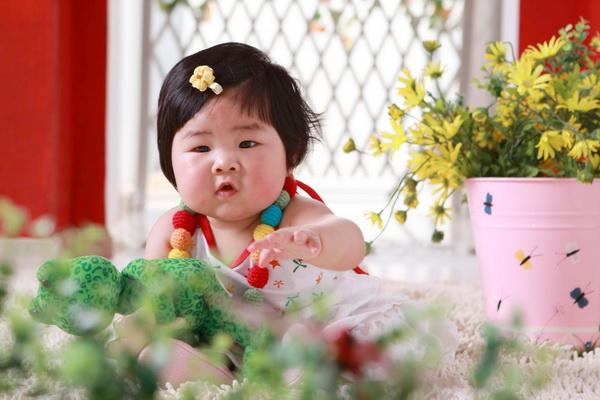 超级的可爱女宝宝