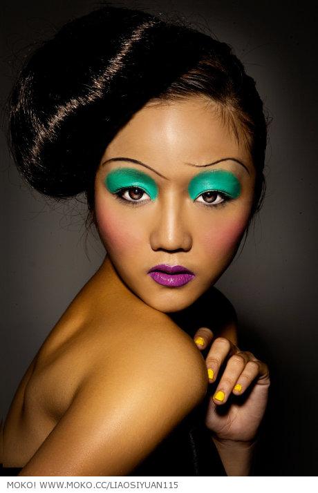 雷姐的创意妆面照