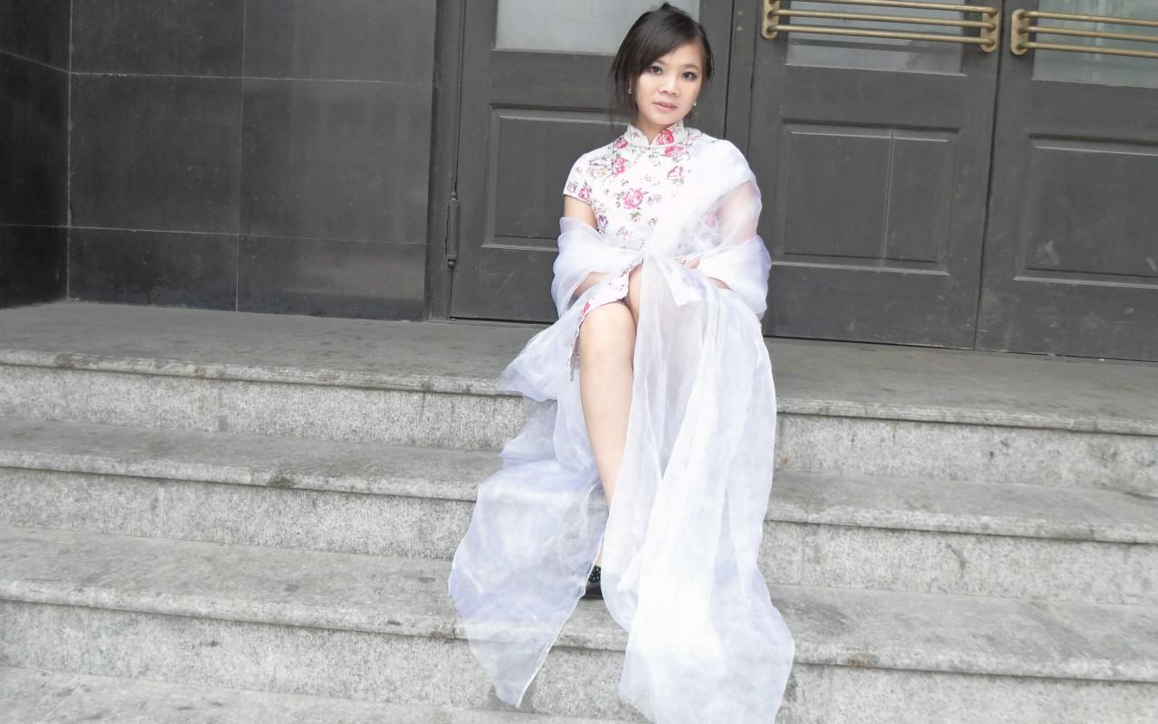 青缘缘的旗袍写真图片