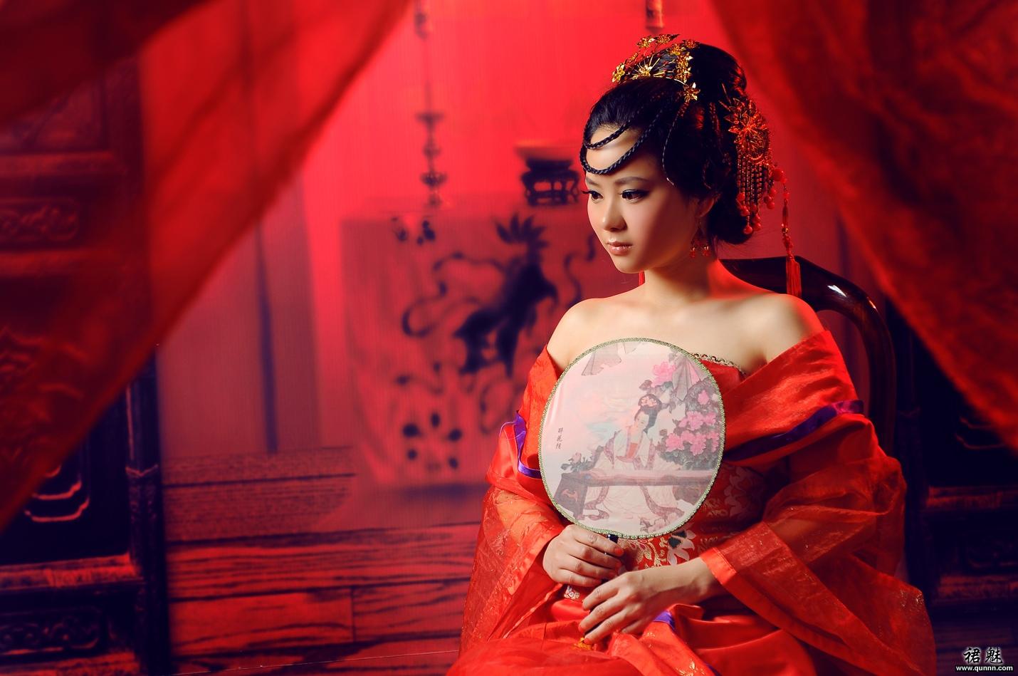 裙魅古装-红袖添香