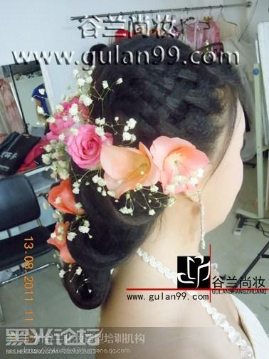 最新新娘妆面造型鲜花